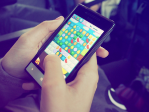 Why Mobile is Proving to be the Perfect Platform for Online Games and Gambling